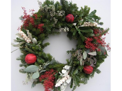 Wreaths are great corporate Christmas gifts