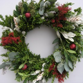 Boxwood Pomegranate Christmas Wreath